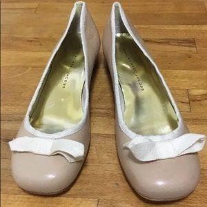 Marc by Marc Jacobs beige cream bow block heels